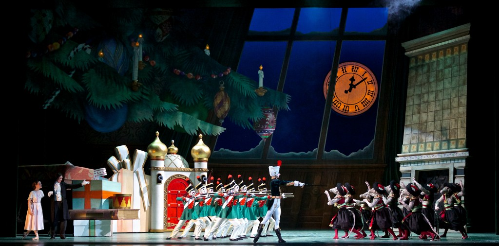 Nutcracker_CompanyArtists_BattleScene_PaulMcGrath_1213_APP